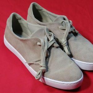 Clarks Leara Blend sneakers women size 10M.